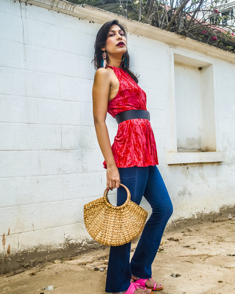 SUMMER LOOK WITH BOOTCUT JEANS